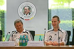 Gemeinsam auch beim MTV Stuttgart aktiv - Bundestrainer Ulrich Pfisterer und Teamkapitän Alexander Fangmann