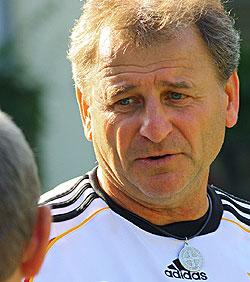 Verspricht ein spannendes Heimdebüt der Nationalmannschaft: Bundestrainer Ulrich Pfisterer.