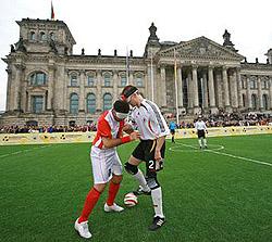 Mit Fußball in die Mitte der Gesellschaft - das ist die Idee der BLINDENFUSSBALL-Bundesliga