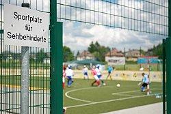 Barrierefrei - das Blindenfußballfeld in Dortmund
