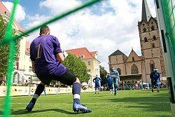 Blindenfußball auf dem Herforder Rathausplatz