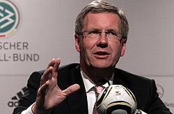 Engagiert sich für den Blindenfussball - Bundespräsident Christian Wulff