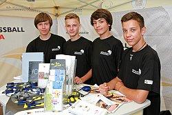 Als Volunteers im Einsatz - Jugendspieler des Vereins